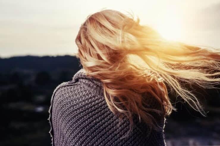 【枝毛とは?】美容師が教える特長や原因とヘアケア方法について